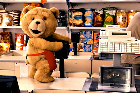 O urso de pelúcia Ted também ficou adulto