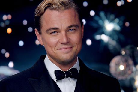 Leonardo Di Caprio sorri para a câmera