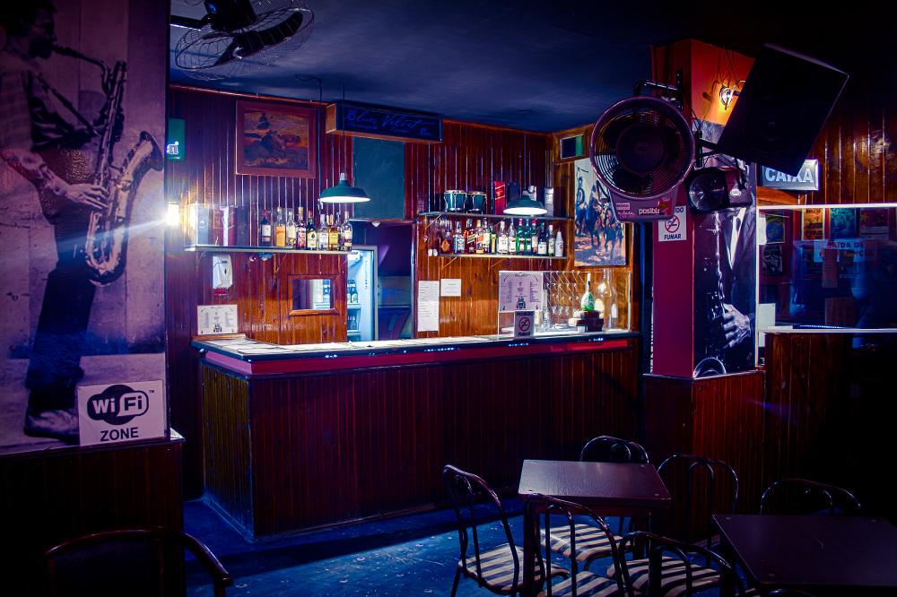Blues Velvet Bar