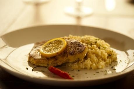 Filleto di pesce con risotto siciliano do Peppo Cucina
