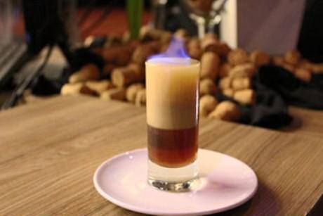 Drink B-52 do Rosário Resto Lounge