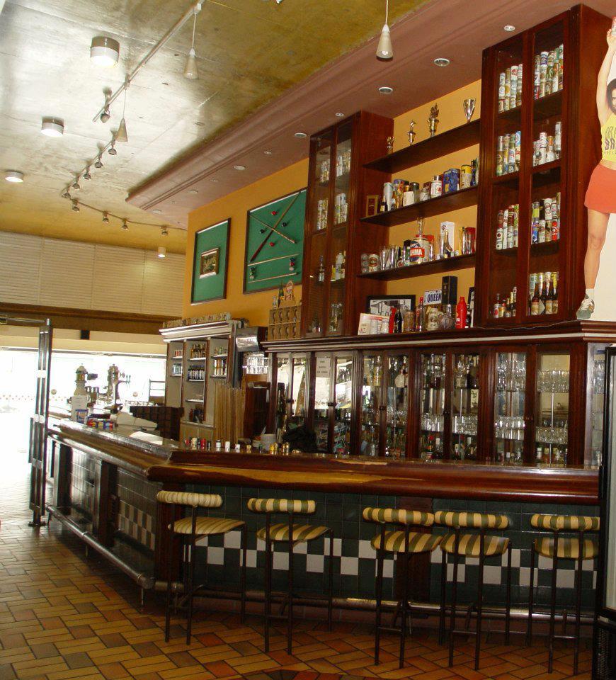 Queen's Snooker Burguer Bar