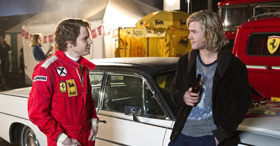 Daniel Bruhl e Chris Hemsworth em Rush - No Limite da Emoção