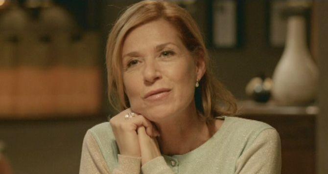 Barbara Sarafian interpreta uma mulher que decide encerrar seu casamento no Dia dos Namorados
