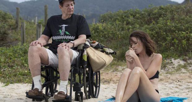 "Basil Hoffman e Emily Mortimer no segmento ""La Fortuna"", de Paolo Sorrentino"