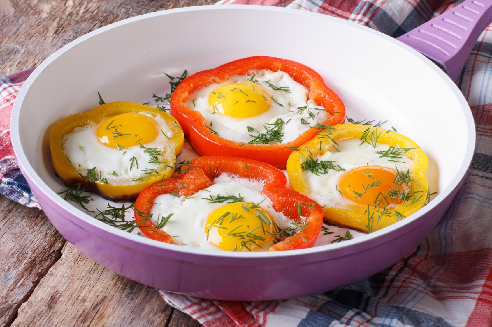 10 receitas f ceis r pidas e baratas com ovo guia da semana for Sillas para local de comidas rapidas