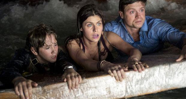 Art Parkinson, Alexandra Daddario e Hugo Johnstone-Burt em cena do filme