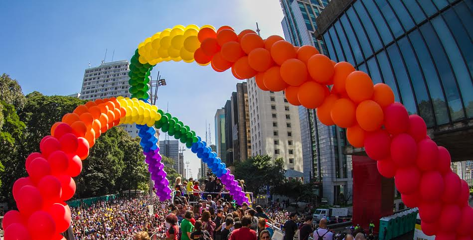 Na Cidade: Parada Gay 2015