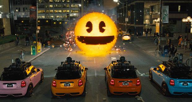 """Cinema: Crítica: mesmo com Pac Man alienígena, """"Pixels"""" não assume vocação nerd e é aventura esquecível"""