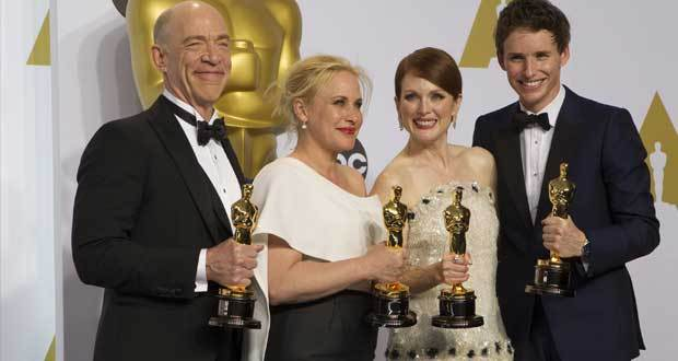 Vencedores do Oscar 2015 posam juntos