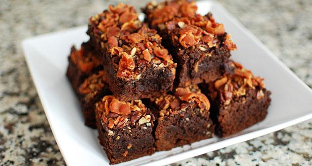 Brownie de bacon com caramelo