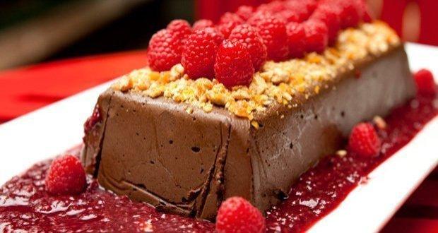 Terrine de Chocolate com Frutas Vermelhas