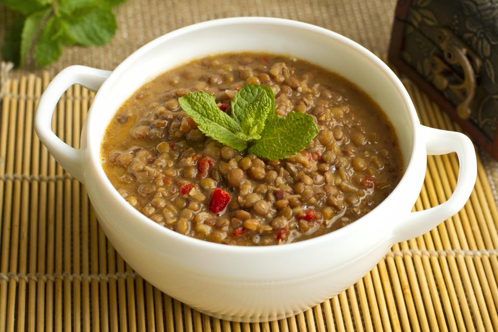 Sopa de Lentilha com Alface