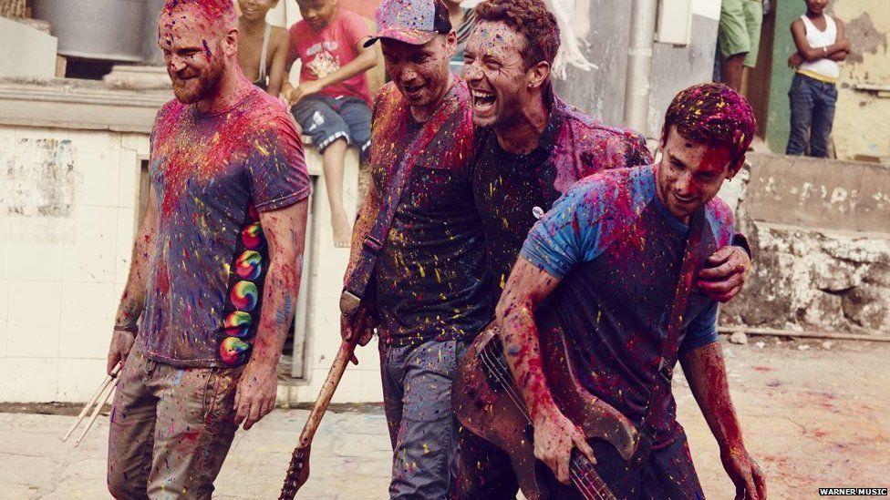 """Música: Assista """"A Head Full Of Dreams"""", novo clipe do Coldplay"""